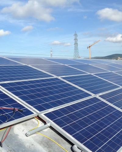 Impianto fotovoltaico su tetto a botte 20 kWp